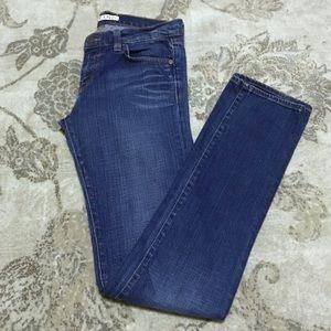 ⬇️$25 J Brand Cigarette Leg 914 Jeans
